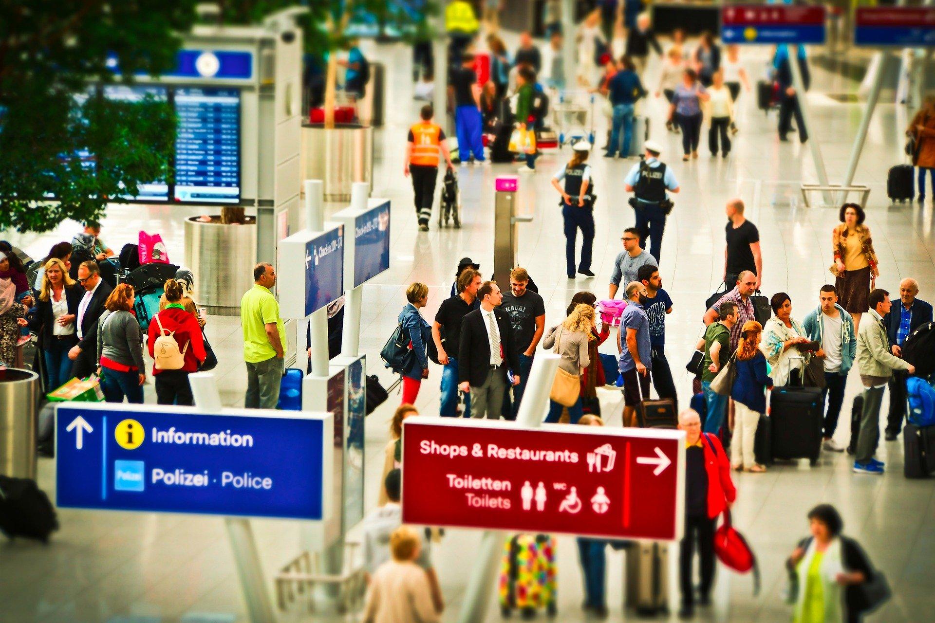 Большинство российских туристов после пандемии хотели бы отправиться в отпуск за рубеж
