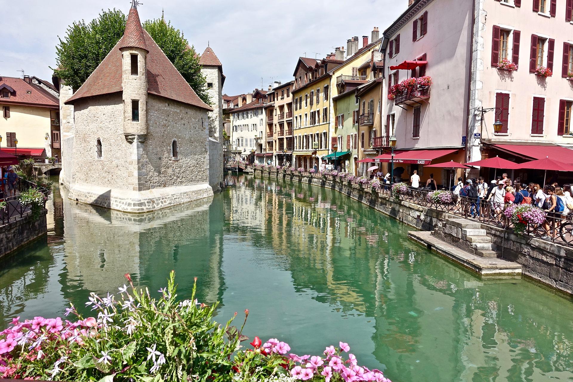Туристические объекты во Франции могут полностью возобновить работу 21 июня