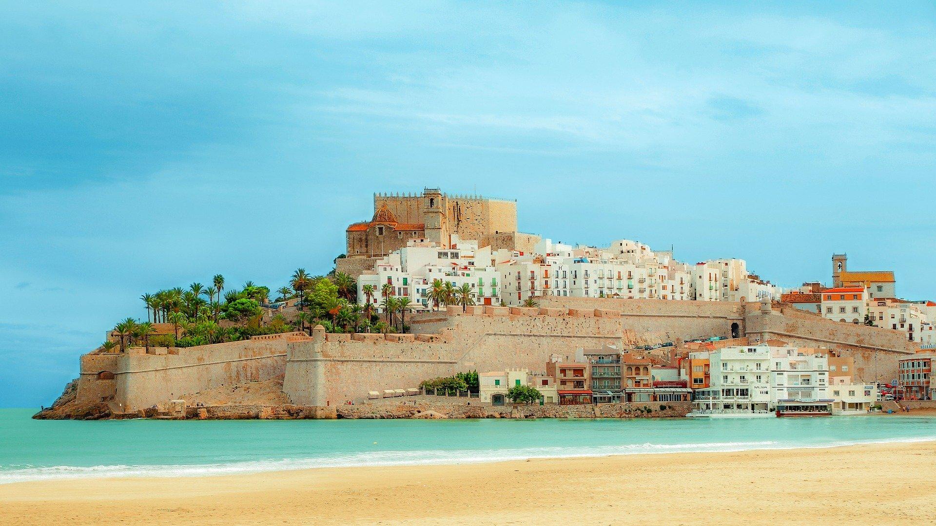 Испания и Италия планируют возобновить иностранный туризм с июня