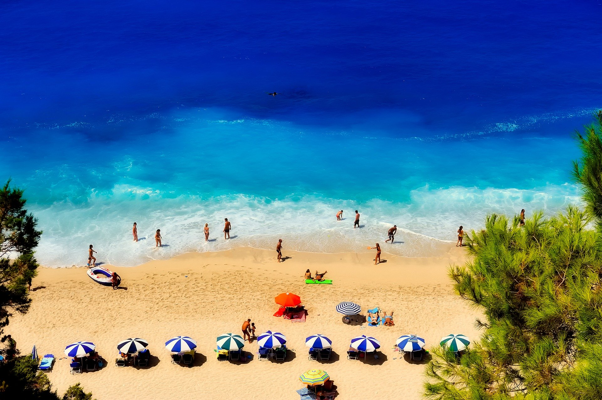 Турсезон в Греции начнется 15 июня, международные рейсы возобновятся 1 июля
