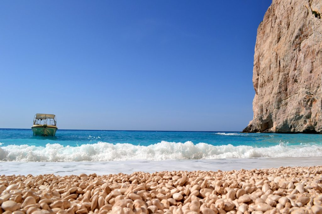 Греция открывает паромное сообщение между островами