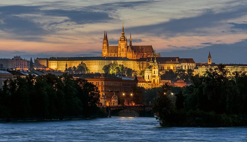 Чехия откроет границы