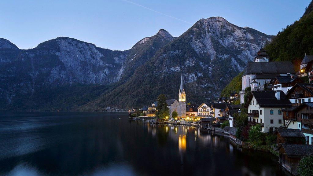 Австрия открылы границы